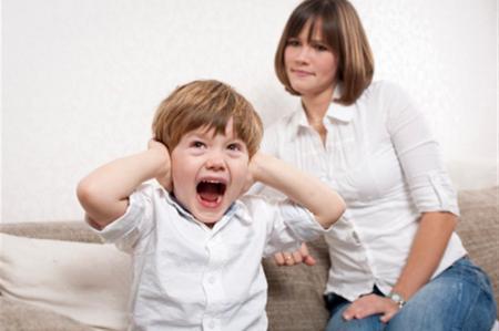 come-comportarsi-quando-il-figlio-fa-i-capricci_c09a51b074b0b5abd66d6dc818f9f8e6